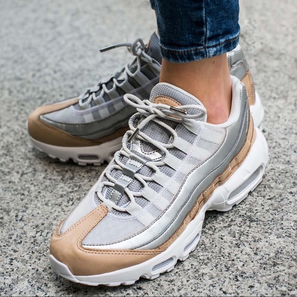 official photos d1394 b622e 🤩Nike Air Max  95 Premium Platinum